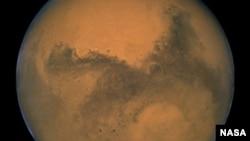 La investigación aporta nuevos datos sobre una reserva acuífera marciana subterránea.