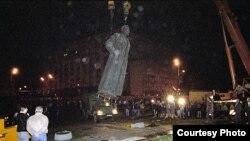 La estatua de Dzerzhinski en Moscú