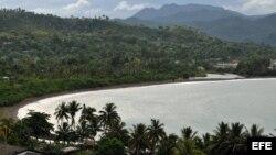 Imagen de la bahía por donde se considera desembarcó Cristóbal Colón cuando arribó a Baracoa