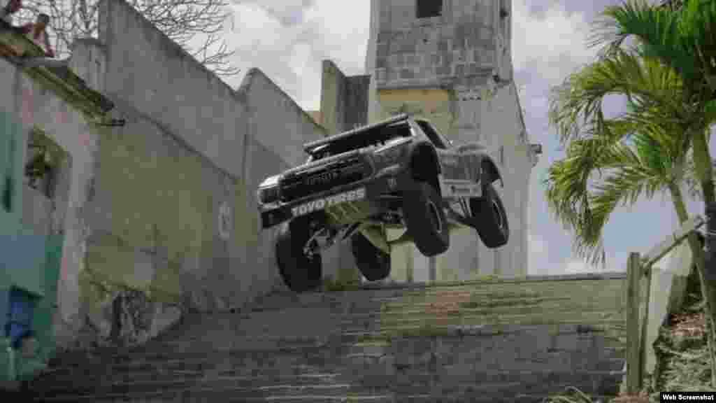 BJ Baldwin y su camión estuvieron en Cuba para filmar un comercial de la bebida Monster Energy.