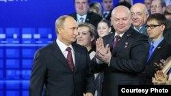 Putin en encuentro con sus correligionarios en Rostov