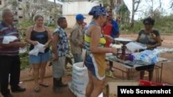 Venta de alimentos en la localidad de Cubitas, tras el paso del huracán Irma. (Foto: Radio Cubitas)