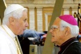 Su Santidad Benedicto XVI con Monseñor Del Castillo en Santiago de Cuba