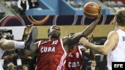 Jugadores del equipo cubano de baloncesto masculino.