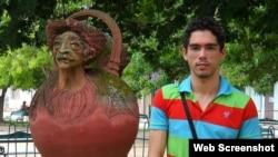 El periodista cubano y activista LGTBI, Maykel González Vivero.