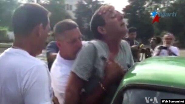 Lazaro Yuri Valle Roca es arrestado en Cuba horas antes de la llegada del presidente Obama