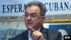 El presidente del Movimiento Democracia, Ramón Saúl Sánchez, habla en rueda de prensa sobre el traspaso de la Presidencia en Cuba.