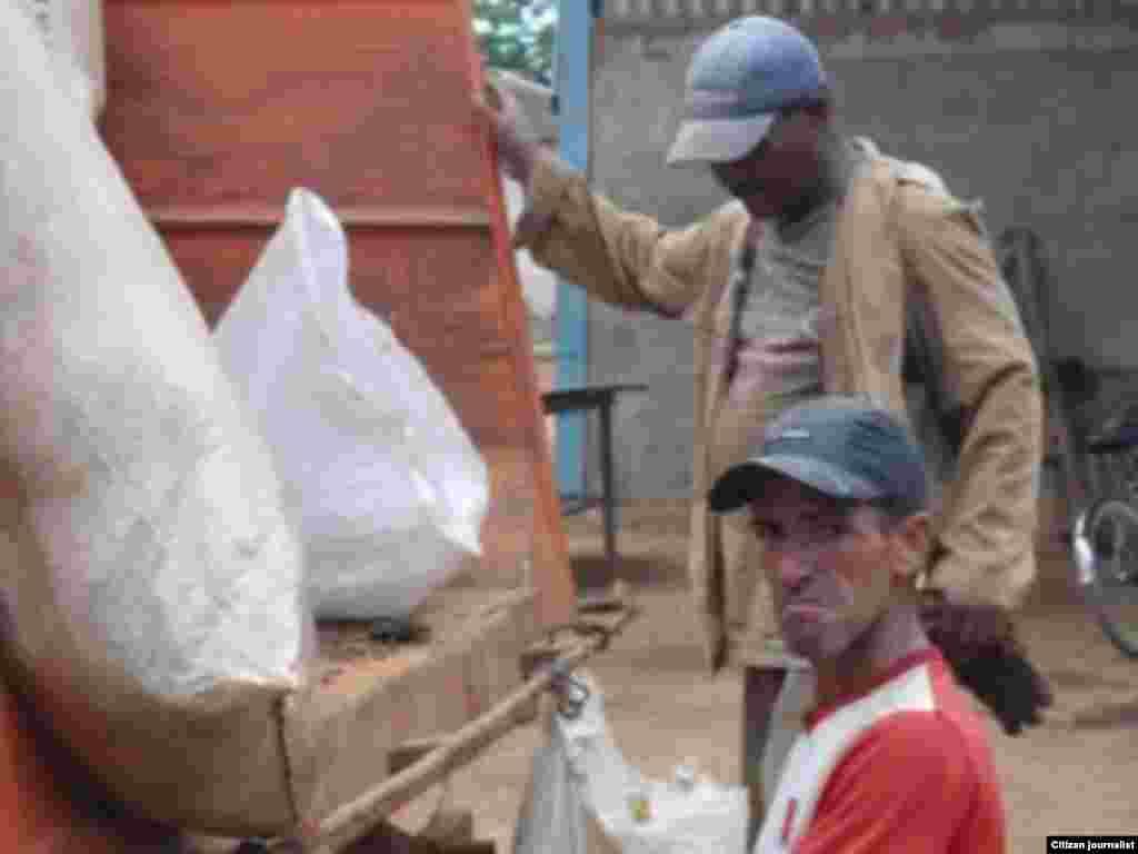 Recogida de desechos Foto Jorge Bello