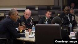 Presidente Obama con los miembros del Estado Mayor Conjunto.