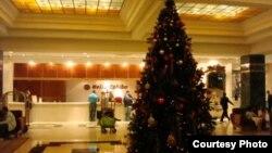 Arbol navideño en el Hotel Melía Cohiba de La Habana