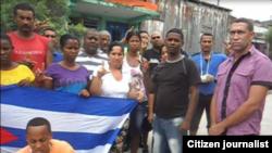 Reporta Cuba. Activistas en las calles de Guantánamo. Foto: Yoanny Beltrán.