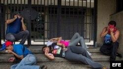 Gases lacrimógenos y francotiradores aplastan reclamo opositor en Venezuela