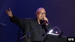 El cantautor cubano Pablo Milanés ofrece un concierto hoy, domingo 19 de mayo de 2013, en el teatro Kalr Marx de La Habana (Cuba).