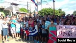 Colombianos y cubanos protestaron en Turbo contra las deportaciones. Foto Cortesía de Pachy Pachy por vía Facebook.