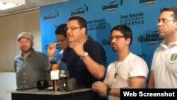 Simón Calzadilla, diputado opositor venezolano anuncia convocatoria de la MUD a paro cívico