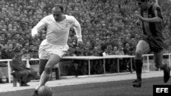 Fotografía de archivo tomada en el 1962 del exjugador y presidente de honor del Real Madrid