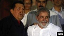 Lula da Silva en uno de sus múltiples encuentros, cuando era presidente, con su amigo Hugo Chávez.