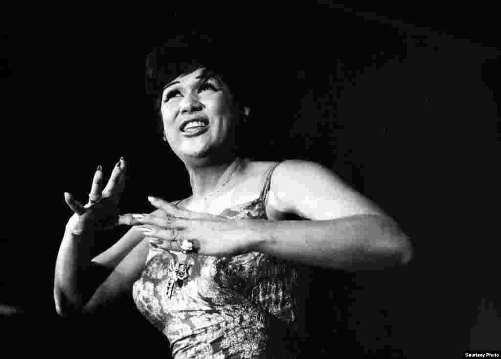 OLGA GUILLOT en Televicentro México 1964. Fotos: cortesía de Olga María Touzet y Guillot.