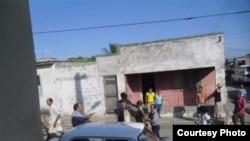 Policia arresta a opositores en Cuba.
