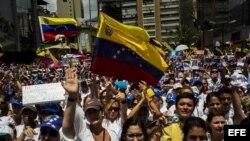 Estudiantes vuelven a marchar en Caracas