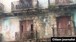Reporta Cuba edificio basurero frente al Tribunal Provincial de Justicia de La Habana. Foto: Misael Aguilar.