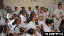Expulsan del trabajo a Marisol Fernández por ser Dama de Blanco