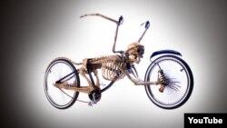 """""""La muerte en bicicleta"""""""