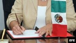 ARCHIVO. Frima de acuerdos entre México y Cuba.
