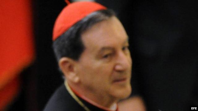 El cardenal colombiano Rubén Salazar Gómez, antes de una audiencia con el papa Benedicto XVI en el Vaticano en noviembre de 2012