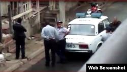 Agentes de la Seguridad del Estado durante un operativo contra opositores de UNPACU en Santiago de Cuba.