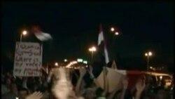 Enfrentamientos en el Cairo entre seguidores de Mursi y fuerzas antimotines.