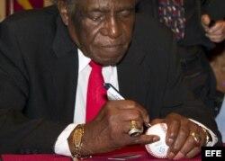 """La leyenda de las Grandes Ligas de Béisbol, Saturnino Orestes Armas """"Minnie"""" Miñoso Arrieta"""