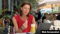 Un momento del reportaje de la BBC sobre la conexión a Internet en Cuba.