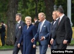 Biden con los mandatarios de Lituania, Estonia y Letonia.