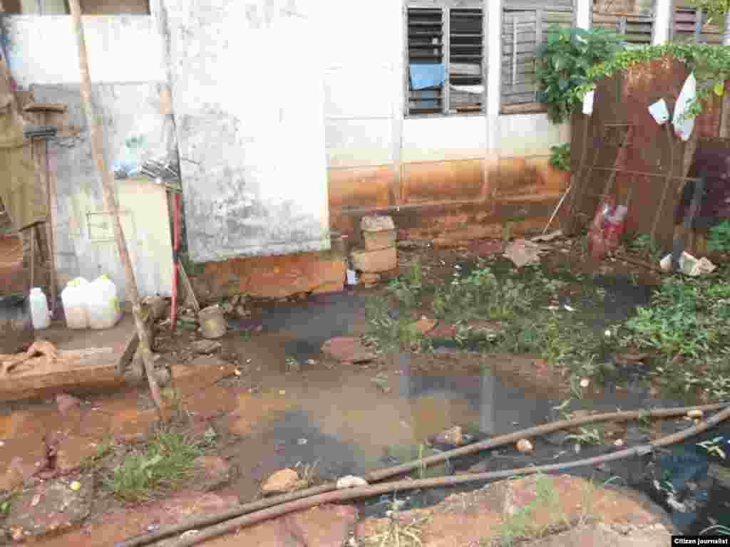 Reporta Cuba contaminacion edificios Guira de Melena foto Martha Domínguez Calero