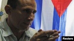 Revocan libertad condicional a activista de derechos humanos