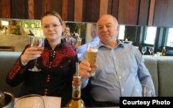 Skripal y su hija Yulia