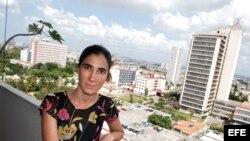 La bloguera explicó a Radio Martí que en un forcejeo con las policías sufrió golpes en la cabeza y perdió un diente.
