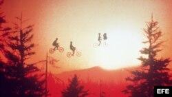 """Fotograma de la película """"E.T., el extraterrestre"""" con la que el director Steven Spielberg consiguió fama mundial."""