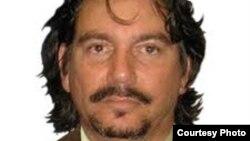 Detienen al periodista independiente Julio Aleaga Pesant frente a su familia