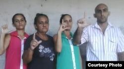 De izq. a der. Adairis Miranda, Maidolis Leiva Portelles, Anairis Miranda y Fidel Batista Leiva.