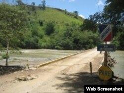 Puente sobre rio Artibonico, Rep.Dominicana.