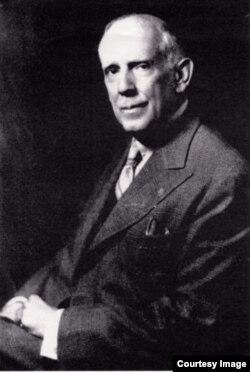 Eduardo Sánchez de Fuentes.
