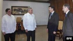 El presidente de Galicia, Raúl Castro y Bruno Rodríguez