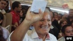 El candidato presidencial del FMLN, el ex guerrilero Salvador Sánchez Cerén.