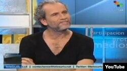 Willy Toledo anuncia en Telesur que se muda a vivir en Cuba