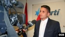 Eliecer Ávila, entrevistado en TV Martí.