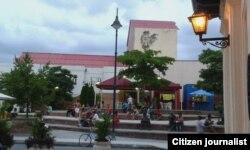 Reporta Cuba. Plaza de El Gallo, Camagüey. Foto: Henri Constantin.