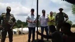 VIDEO Viceministro panameño visita a migrantes cubanos en huelga de hambre