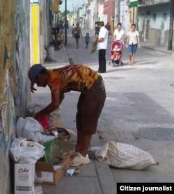 Reporta Cuba. Indigente en Holguín. Foto: Luis Quintana Rodríguez.